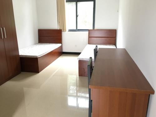 酒店房间配套床及桌椅组合
